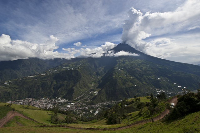 banos volcano